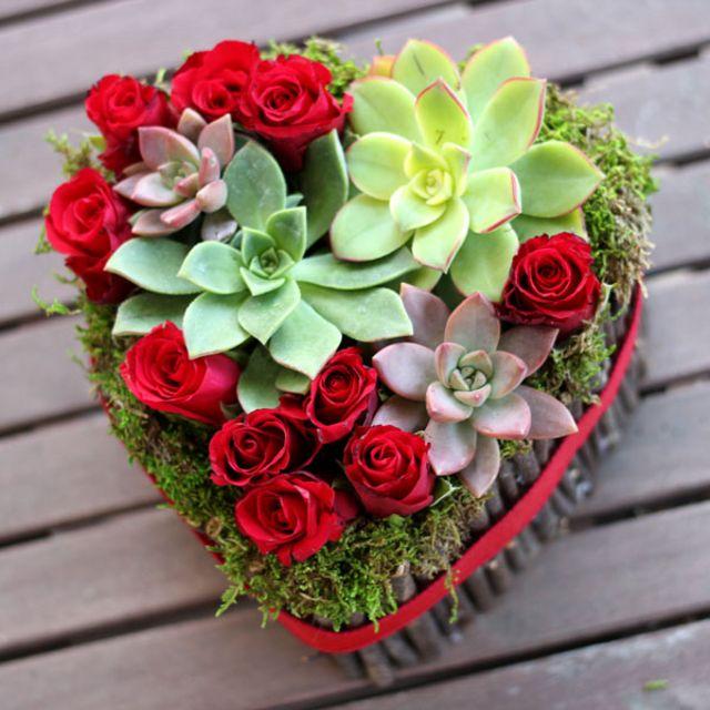 Học cách cắm hoa hình trái tim