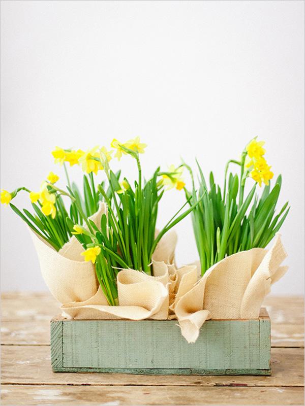 Cách cắm hoa để bàn trang trí nhà