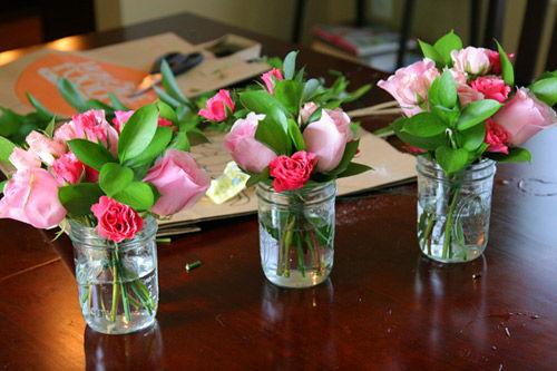 Tô điểm căn nhà bằng cách cắm hoa đơn giản