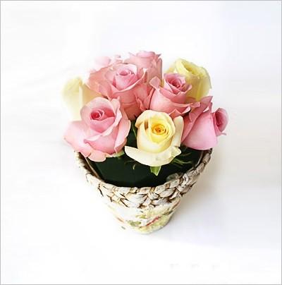 Học cách cắm hoa hồng xen cành khô đẹp độc đáo