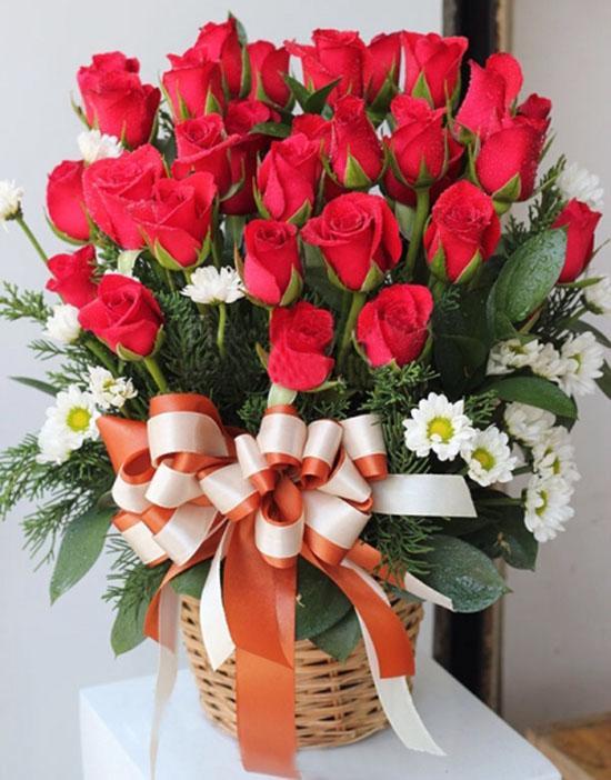 Bí quyết tặng hoa ngày 20/10 khiến mẹ chồng khó tính nhất cũng ưng