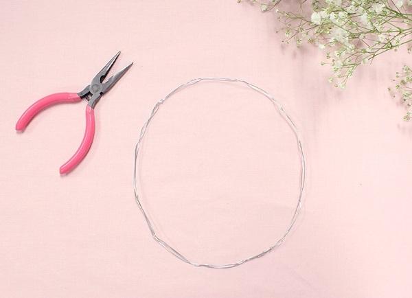Học cách tết vòng hoa đội đầu baby