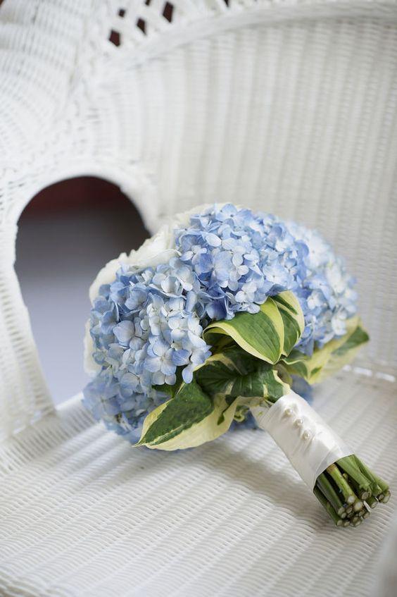 Cách chọn hoa cưới hợp mệnh cô dâu