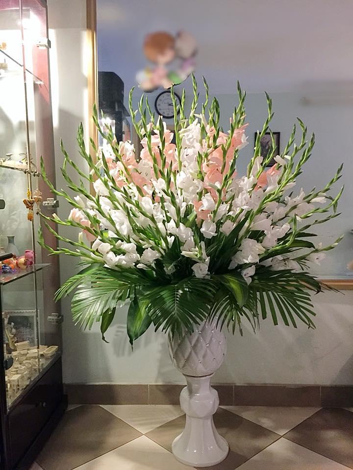 Mách bạn Cách cắm ngàn hoa trong lọ đẹp độc đáo