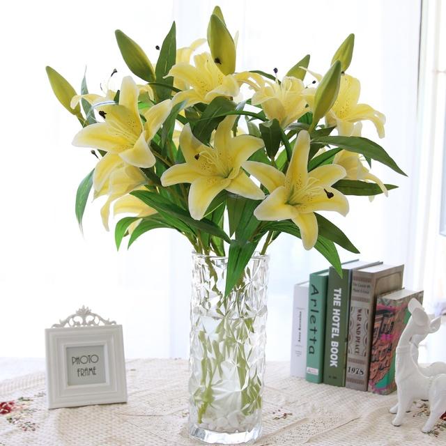 Tiết lộ công thức Cắm hoa theo hình dáng lọ đẹp lộng lẫy