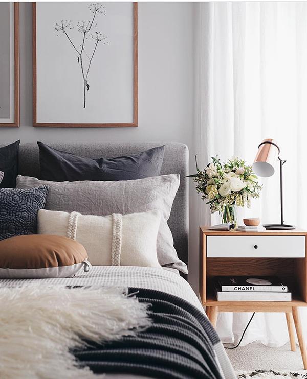 Một số lưu ý khi đặt chậu hoa trong phòng ngủ không nên bỏ qua