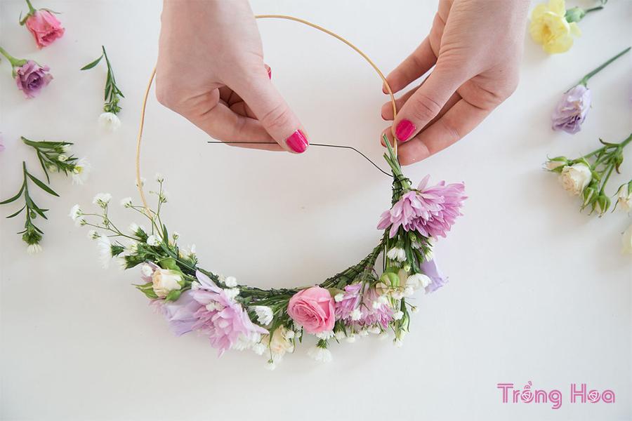 cách làm vòng hoa đội đầu cho dạ hội