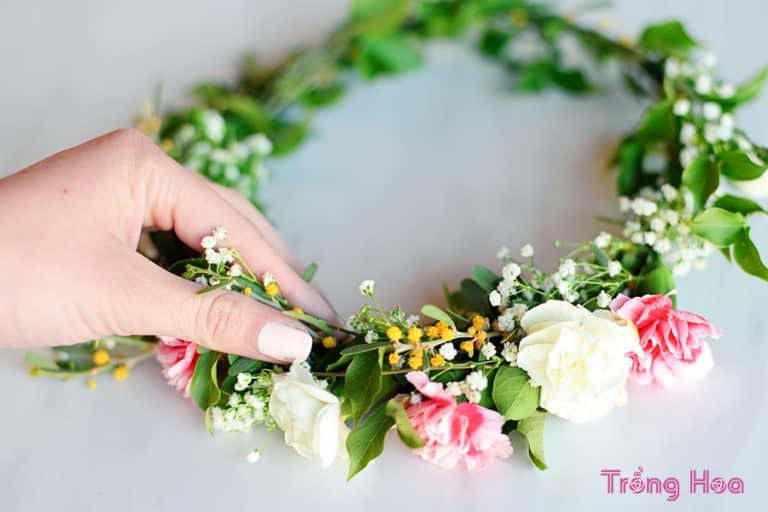 Cách làm vòng hoa đội đầu dễ dàng